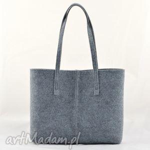 ręcznie robione torebka szara z filcu, minimalistyczna ze szwem - koszyczek