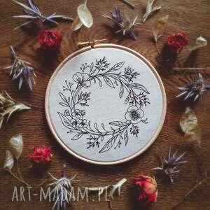 obrazek haftowany wianek, tamborek, obrazek, haft, natura, len