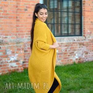 długi, gruby, zimowy kardigan, miodowy, elegancki, asymetryczny sweter jesienny