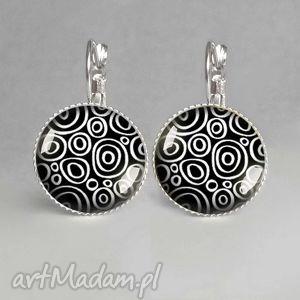 kolczyki black white- eleganckie z grafiką czarno-białe, czarno, białe