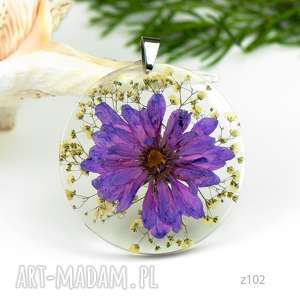 naszyjnik z suszonymi kwiatami, herbarium jewelry, kwiaty w żywicy z102