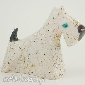handmade ceramika sznaucer - pies na biżuterię