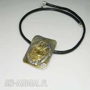 Blach mosiężna-N28, wisior, mosiężny-wisior, unikatowa-biżuteria, unikatowy-wisior