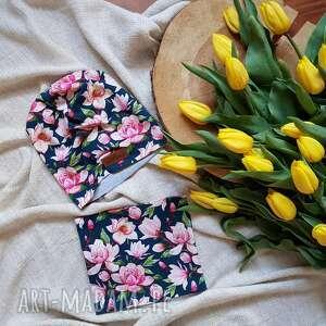 Zestaw w kwiaty magnolie dresowka unisex kolorowy czapka i komin