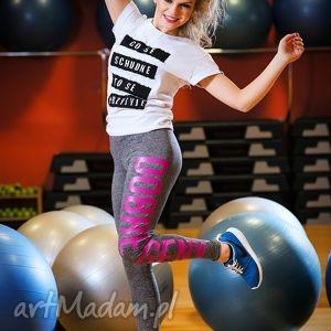 uniwersalne spodnie rurki legginsy z kolorowym napisem, młodzieżowe, nasiłownie