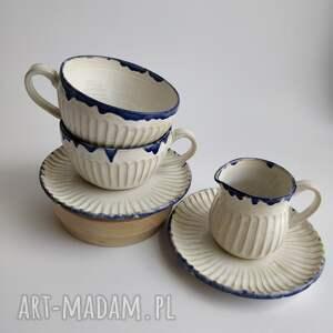 zestaw składający się z dwóch filżanek i dzbanuszka 1, ceramika, filiżanka
