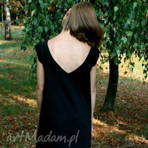 ręcznie zrobione sukienki czarna sukienka dzianina z wyciętym dekoltem na plecach