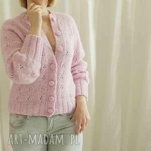 ręcznie robione swetry kardigan z ażurowym akcentem