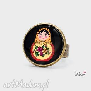 pierścionek matrioszka, babuszka, lalka, lalki, rosja, podróż, prezent