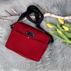 Wiśniowa pojemna torebka Box Aurora M, torebka, listonoszka, wegańsa-torba,