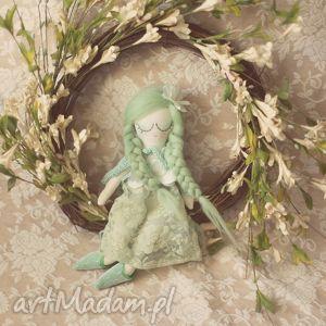 bajka wiosenna - zielona wróżka w pelerynce, lalka, wróżka, pelerynka, buciki