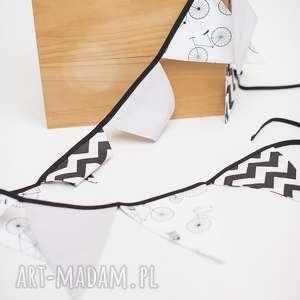 hand made pokoik dziecka girlanda trójkąty szaro-biało-czarne