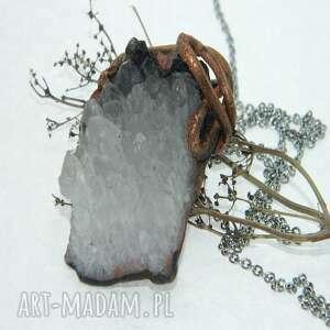 wisiorki kwarcowy wisior, wisior kryształ, kwarc, unikatowa biżuteria