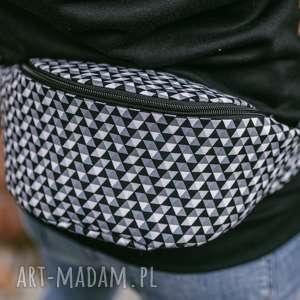 handmade nerki czarno-biała w trójkąty