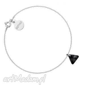 srebrna bransoletka z czarnym kryształowym trójkącikiem