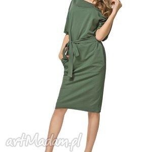 Bawełniana sukienka typu kimono z kieszeniami i paskiem T186, zielona,