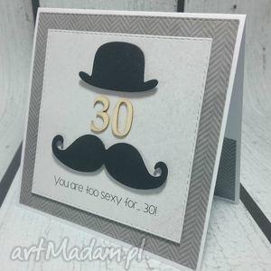 kartki niebanalna kartka dla mężczyzny, urodziny, zaproszenie, cylinder, wąsy