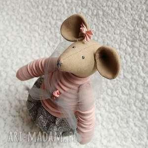 Spóźniona Przyjaciółka, myszka, szczurek, tiul, roczek, mufinka, babeczka