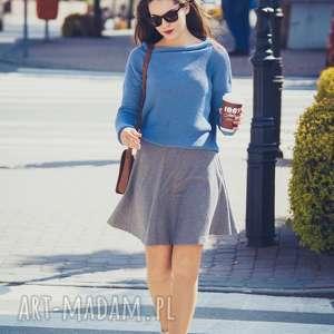 Luźny, niebieski sweter, luźny-sweter, oversize, bawełna, dekolt-łódka