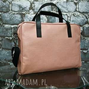 ręczne wykonanie teczki przepiękna różowa torba na laptopa i na dokumenty