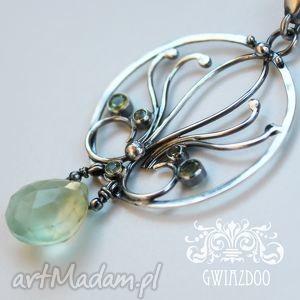 Pastelowa Lilia, peridot, frenit, srebro