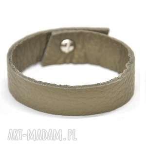 b07-13am szaro-brązowa skórzana bransoletka przyjaźni zapinana na niewielki
