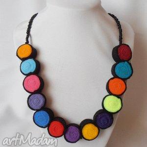kolorowe kułeczka - naszyjnik, filc, korale