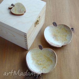 ceramika rustykalne jabłuszka, jabłko, owoce, fusetka, miseczka, pudełko, ceramiczna