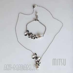 komplet srebrne listki z perłą, ślubny, delikatny, asymetryczny, posrebrzany, perły