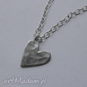 serduszko wisior, srebro, młotkowane, serce, święta
