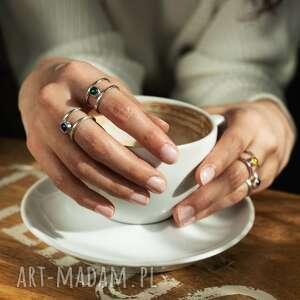 pierścionek srebrny z naturalnym agatem zielonym - otwarty, geometryczny