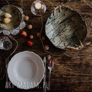 Misa ceramiczna z drewnianymi uchwytami ceramika polepione misa