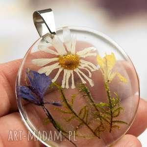 Naszyjnik z prawdziwymi kwiatami zatopionymi w żywicy z1385