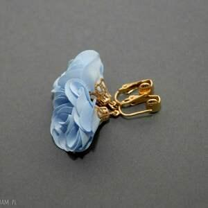 klipsy z kwiatkami, jasnoniebieskie, eleganckie, wiszące, małe, błękitne, kwiat