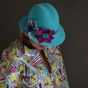 prezent na święta, turkusowa fedora, kapelusz, turkus