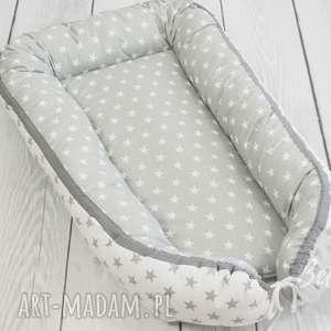 ręcznie zrobione pokoik dziecka kokon niemowlaka otulacz gwiazdki biało-szary