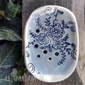 ceramika mydelniczka niebieska koronka, mydelniczka, podstawka na mydło