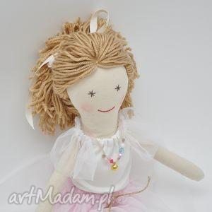 Lalka szmacian w różanym zestawie, lalka, spódniczkatutu, tiul, różowy, szmacianka