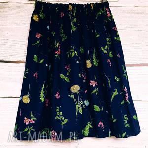 Granatowa spódniczka w kwiatki, granatowa-spódnica, z-kieszeniami, mlecze,