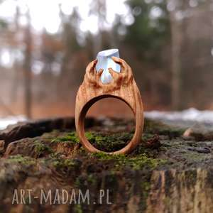drewniany pierścień lączony z żywicą druid s ring