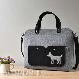 elegancka szara filcowa torebka na laptopa z pieskiem, laptop, filc, pies, piesek