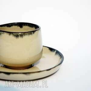 ceramicznosci filiżanka coco z talerzykiem na espresso albo małą czarną kawę