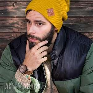 hand-made czapki czapa dwustronna logo z ekoskórki miodowa musztarda