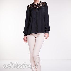 Bluzka Rafaela, moda