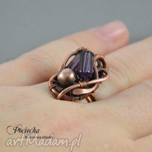 pierścionki purple - pierścionek w fiolecie, pierścionek, szkło, duży, okazały