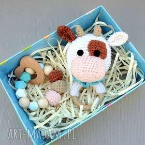 grzechotka i zabawka-gryzak krówka, baby shower, prezent, dla przyszłej mamy