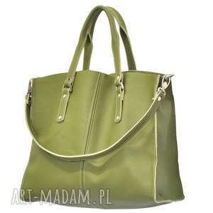 44-0007 Zielona torebka skórzana z paskiem i kontrastowymi przeszyciami ROOK TWO