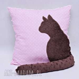 poduszka z kotem i ogonem 3d brązowy kot na różowym tle, poduszka, kot, kotem, minky