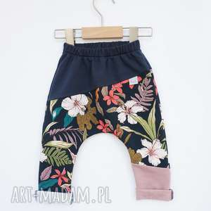 spodenki dla dziewczynki kwiaty 104-128 cm, spodnie do szkoły