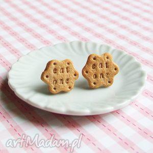 kolczyki wkrętki ciastka -eat one - alicja w krainie czarów, kolczyki, sztyfty